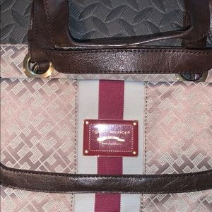 Tommy Hilfiger Bags - Tommy Hilfiger purse New - No tags